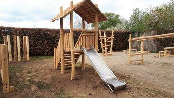 Speelhuisje-Speeltorens-Robinia